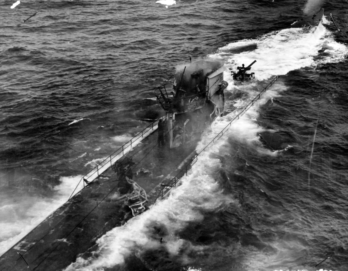 Sinking of German submarine U-175, April 1943. The submarine was sunk off south-west of Ireland by USCGC Spencer (WPG-36) on April 17, 1943. (National Archives, 2017/09/05)